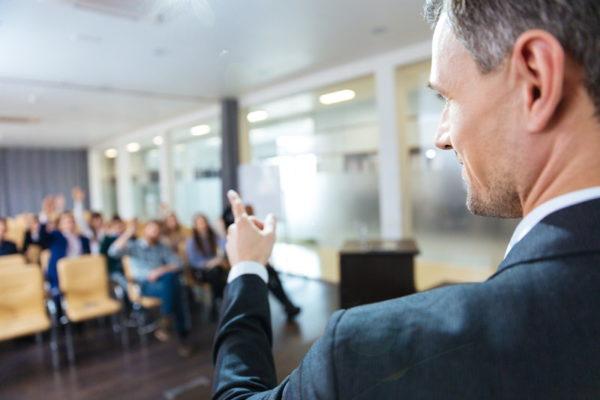 第84回 「リーダーの話し方の特徴」